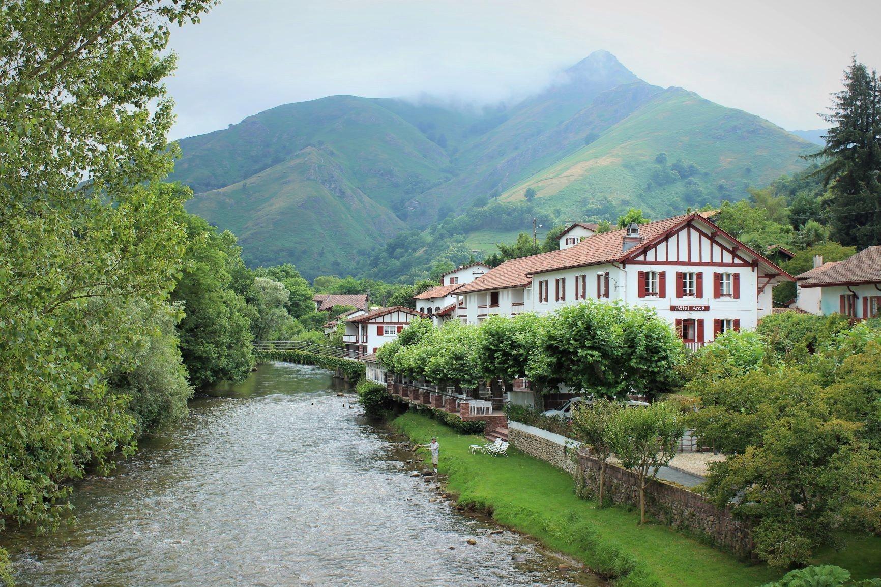 Pa s vasco franc s en 2 d as ruta por la francia desconocida un planeta por viajar - Casas rurales pais vasco frances ...